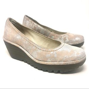Fly London Yoni Wedge Pump in Blush and Silver 40